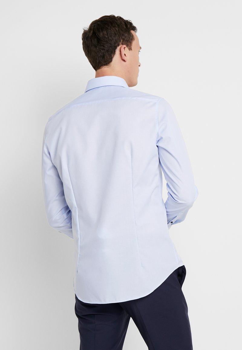 Seidensticker BUSINESS KENT EXTRA SLIM FIT - Finskjorte - light blue