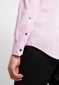 Seidensticker - SLIM FIT SPREAD KENT - Formal shirt - light pink - 3