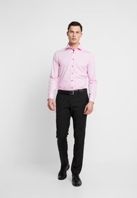 Seidensticker - SLIM FIT SPREAD KENT - Formal shirt - light pink - 1