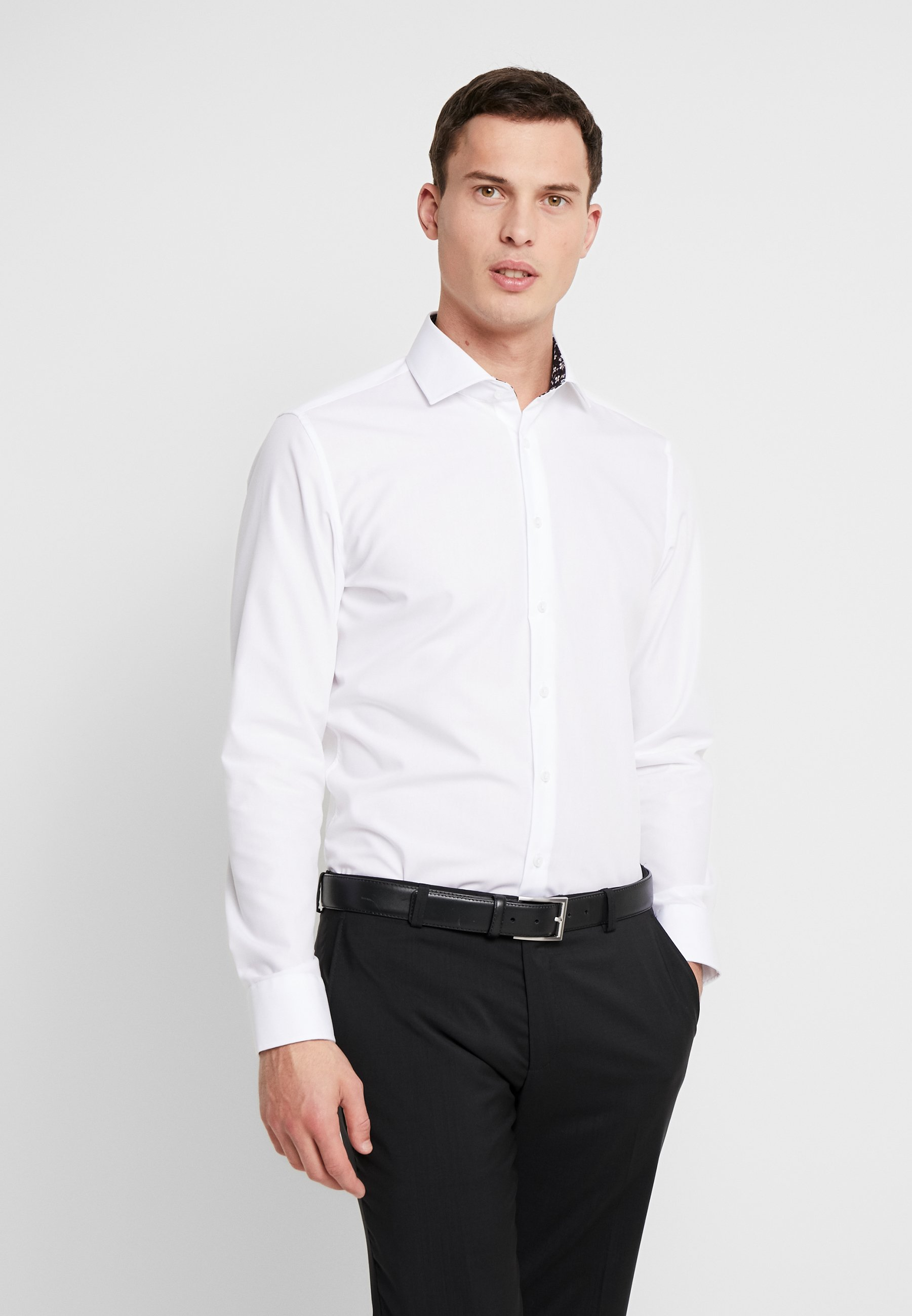 Seidensticker SLIM FIT SPREAD KENT PATCH - Koszula biznesowa - white