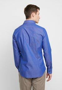 Seidensticker - SLIM FIT SPREAD KENT PATCH - Kauluspaita - dark blue - 2
