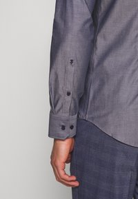 Seidensticker - SLIM FIT BUSINESS KENT - Formal shirt - dark blue - 3