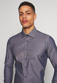 Seidensticker - SLIM FIT BUSINESS KENT - Formal shirt - dark blue - 5