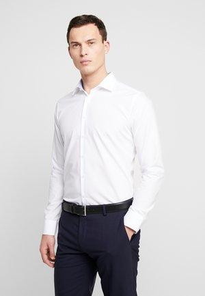 SLIM FIT BUSINESS KENT - Formální košile - white