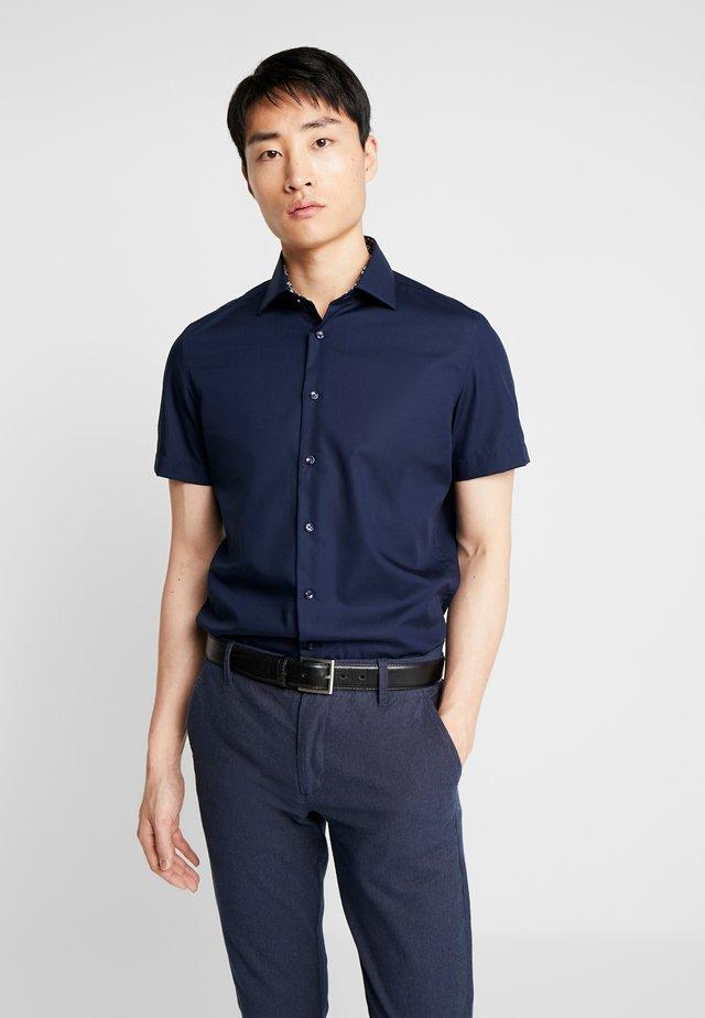 NEW KENT PATCH SLIM FIT - Skjorte - dark blue