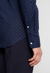 Seidensticker - SLIM FIT - Formal shirt - dark blue - 5