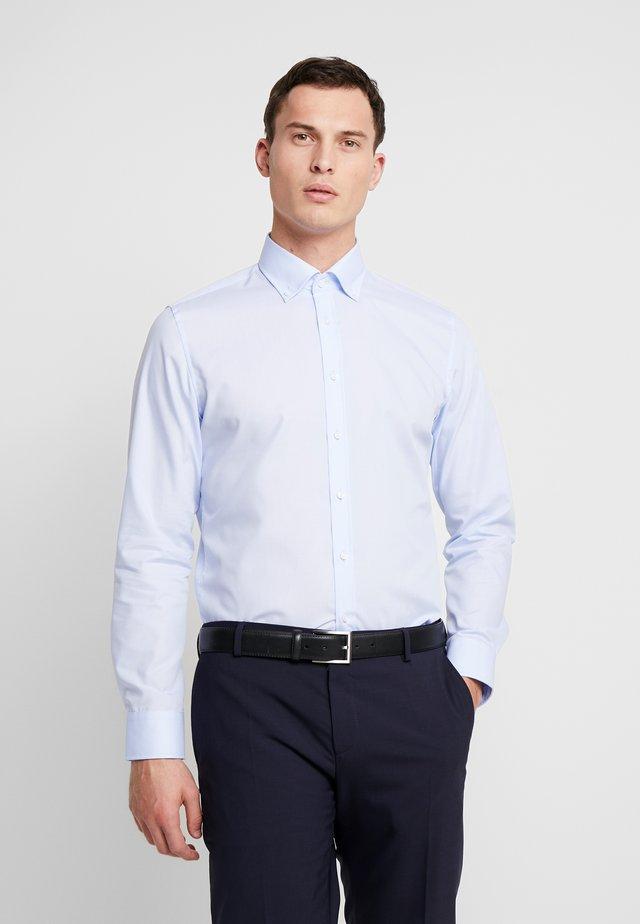 BUTTON DOWN SLIM FIT - Finskjorte - light blue