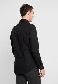 Seidensticker - BUSINESS KENT PATCH SLIM FIT - Zakelijk overhemd - black - 2