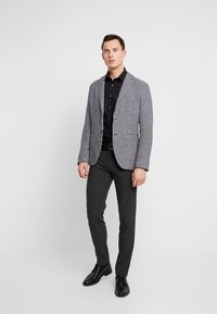 Seidensticker - BUSINESS KENT PATCH SLIM FIT - Zakelijk overhemd - black - 1