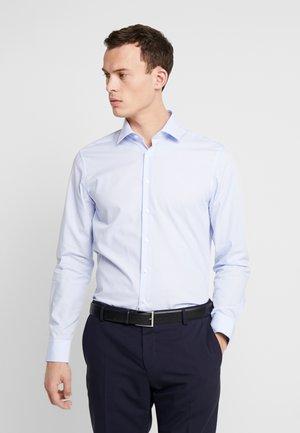 SLIM FIT - Hemd - light blue