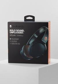Skullcandy - RIFF WIRELESS ON-EAR - Headphones - blue/sunset - 3