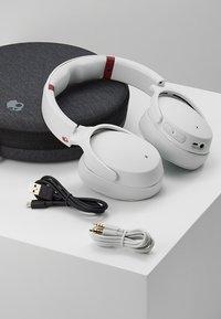 Skullcandy - VENUE ANC WIRELESS - Headphones - vice/gray/crimson - 5