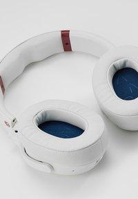 Skullcandy - VENUE ANC WIRELESS - Headphones - vice/gray/crimson - 6