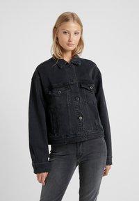 3x1 - OVERSIZED CLASSIC CROP JACKET - Denim jacket - shred - 0