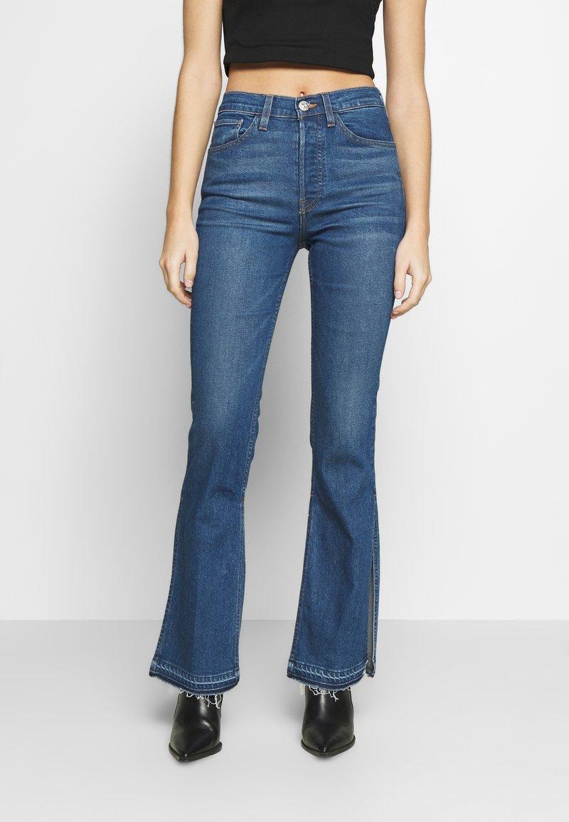 3x1 - KELLIE JEAN - Flared Jeans - breeze