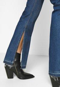 3x1 - KELLIE JEAN - Flared Jeans - breeze - 3