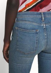 3x1 - MID RISE CROP - Skinny džíny - carrie - 5
