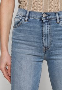 3x1 - AUTHENTIC CROP - Straight leg jeans - gina destroy - 6
