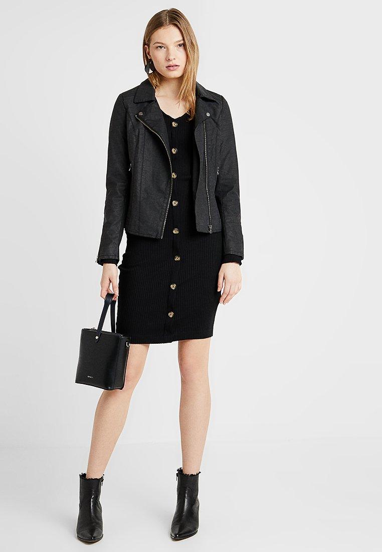 Dorothy Perkins Tall - BODYCON - Shift dress - black