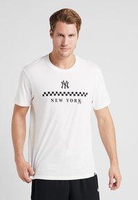 '47 - MLB NEW YORK YANKEES SPLITTER TEE - T-Shirt print - white wash - 0