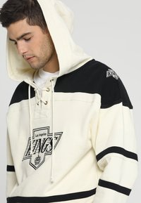 '47 - LOS ANGELES KINGS LACER HOOD - Article de supporter - cream - 2