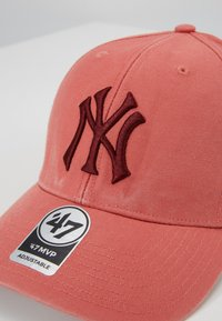 '47 - NEW YORK YANKEES LEGEND 47 MVP - Kšiltovka - island red