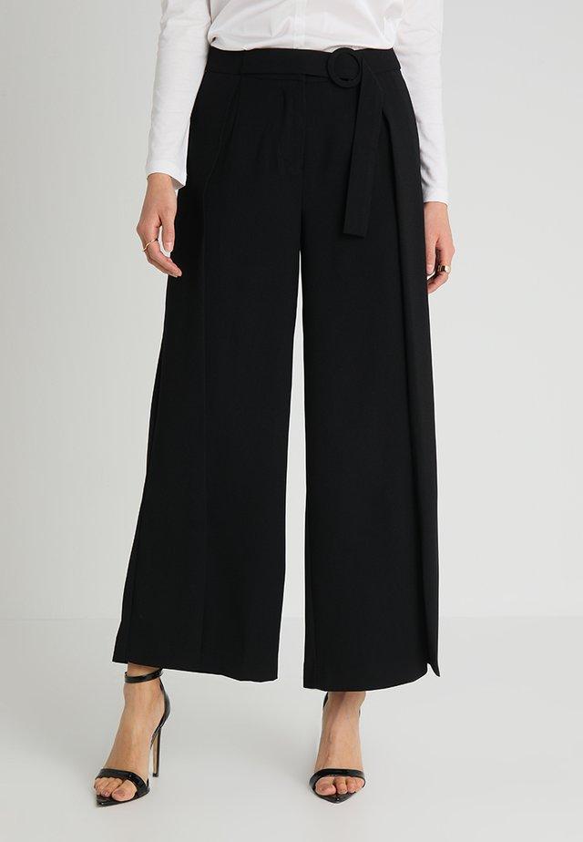 PANTS WITH BELT - Pantalon classique - black