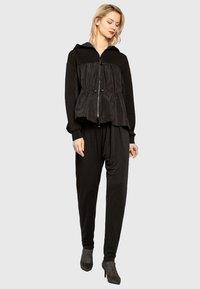 Apart - Pantalon classique - black - 1