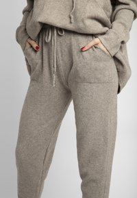Apart - Pantalon de survêtement - taupe - 3