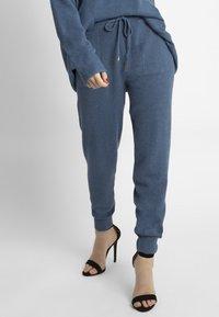 Apart - Pantalon de survêtement - blue - 0