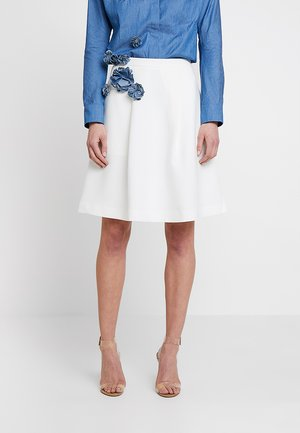 SKIRT WITH TENCELFLOWERS - Jupe trapèze - off-white