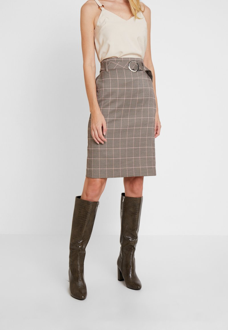 Apart - GLENCHECK SKIRT WITH BELT - Bleistiftrock - taupe