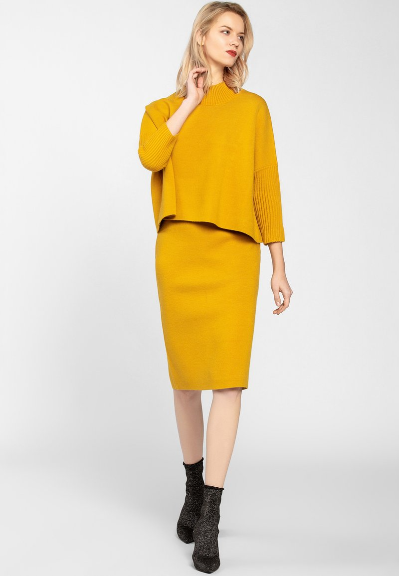 Apart - SKIRT - Jupe crayon - yellow