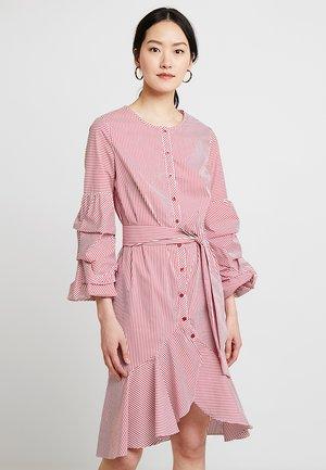 STRIPED DRESS - Robe chemise - red/cream