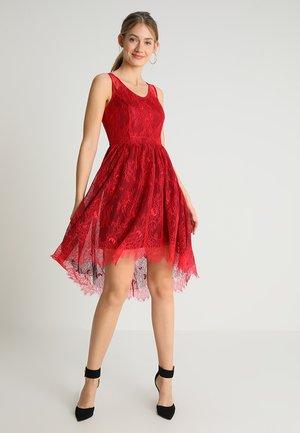 DRESS - Cocktailklänning - coral-burgundy