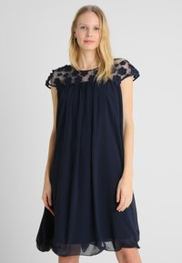 Apart - DRESS WITH FLOWERS - Robe de soirée - midnight blue - 0