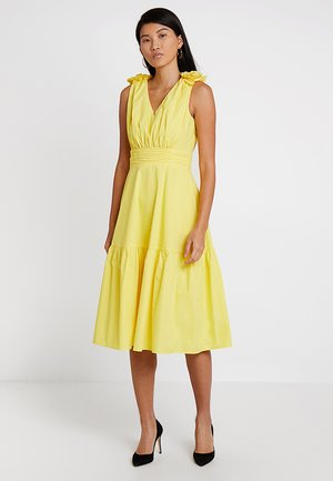 DRESS WITH FLOWERS - Cocktailjurk - yellow