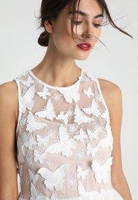 Apart - DRESS WITH EMBROIDERY - Robe de soirée - cream/nude - 3