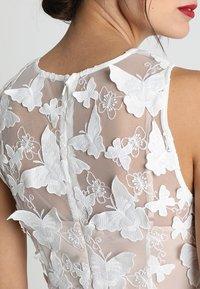 Apart - DRESS WITH EMBROIDERY - Robe de soirée - cream/nude - 5