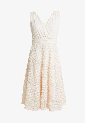 DRESS WITH ROSES - Robe de soirée - nude