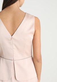 Apart - DRESS WITH PEPLUM - Robe de soirée - powder - 4