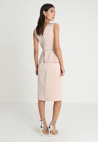 Apart - DRESS WITH PEPLUM - Robe de soirée - powder - 2
