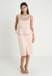 Apart - DRESS WITH PEPLUM - Robe de soirée - powder - 0