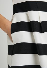 Apart - STRIPED DRESS - Robe de soirée - black/cream - 4
