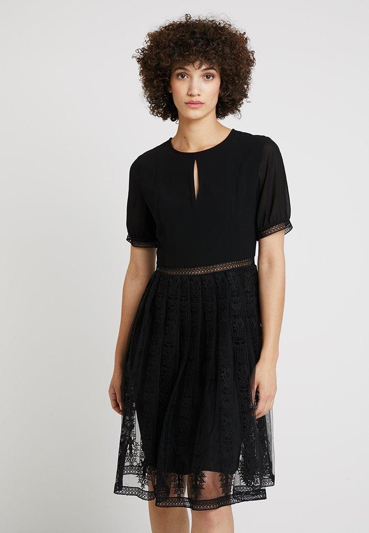 Apart - DRESS - Cocktailkjoler / festkjoler - black
