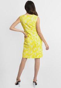 Apart - APART - Robe d'été - yellow - 2
