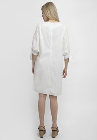 Apart - Robe d'été - white - 2