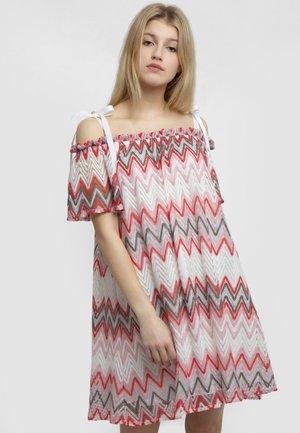 Vestido informal - red white