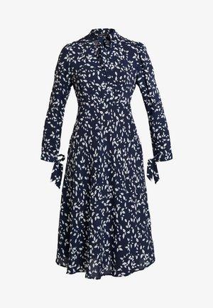 PRINTED DRESS - Denní šaty - midnightblue/cream