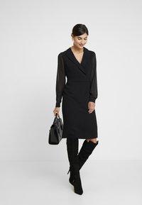 Apart - DRESS - Robe fourreau - black - 2